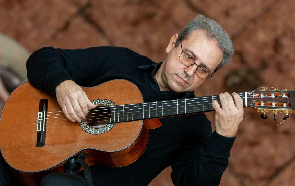 Mario Gullo guitarist
